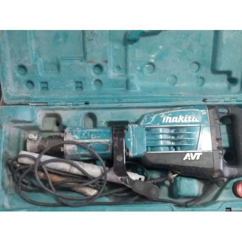 Отбойный молоток Makita HM1317C